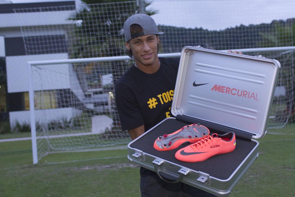 Neymar Nike Mercurial Vapor 8
